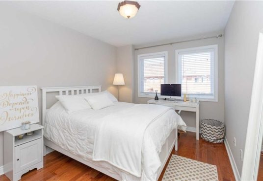 34 Gateway Crt - bedroom