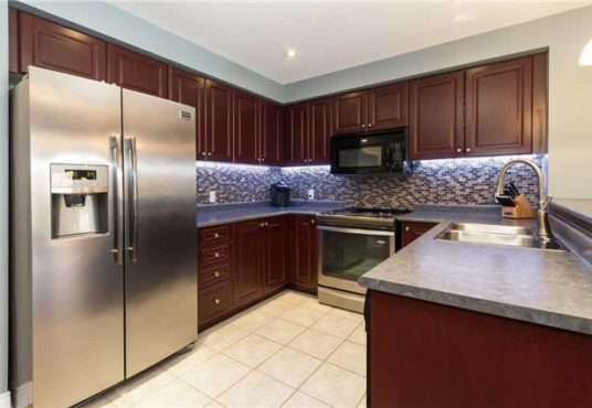 34 Gateway Crt - kitchen
