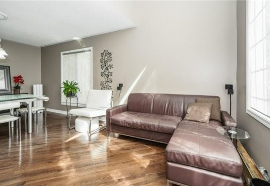 729 Turrell Cres - Family Room
