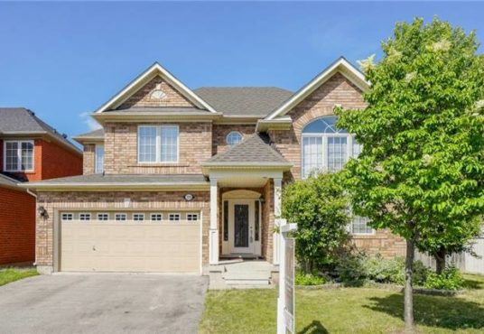 729 Turrell Cres - Front Ext