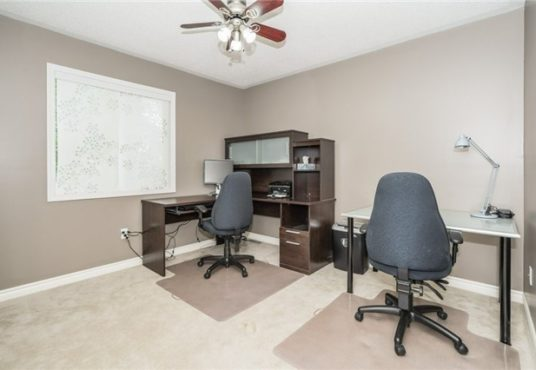 729 Turrell Cres - Office